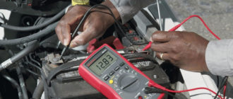 vérifier la batterie avec un multimètre